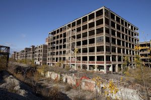 800px-Abandoned_Packard_Automobile_Factory_Detroit_200